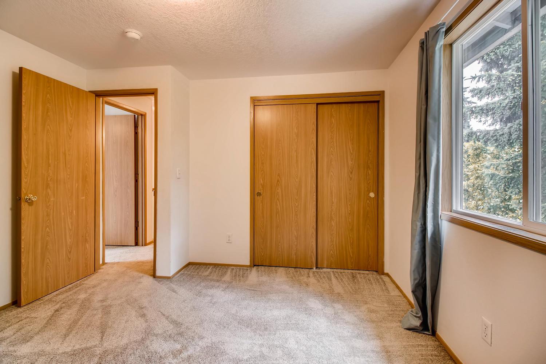 10149 N Tioga Ave Portland OR-large-026-32-2nd Floor Bedroom-1500x1000-72dpi.jpg