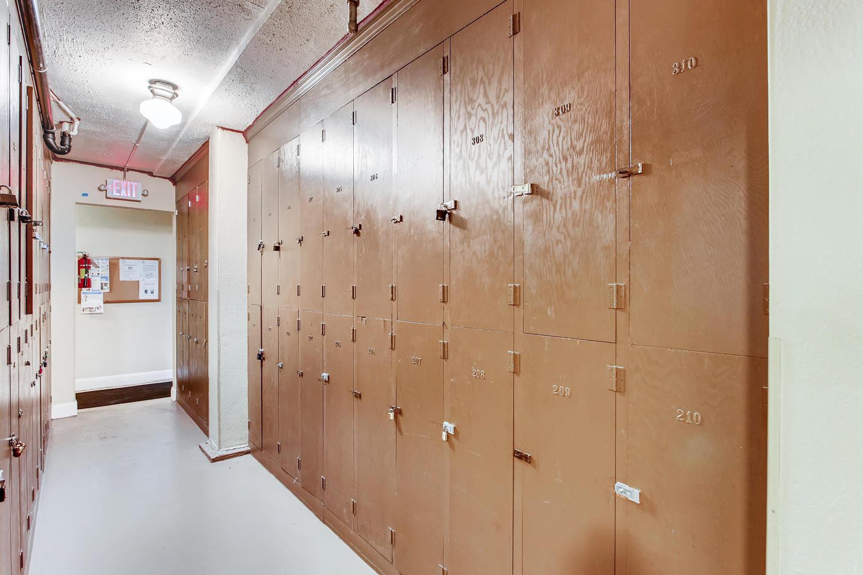 709 Sw 16th Ave Unit 302-large-025-023-Storage-1500x1000-72dpi.jpg