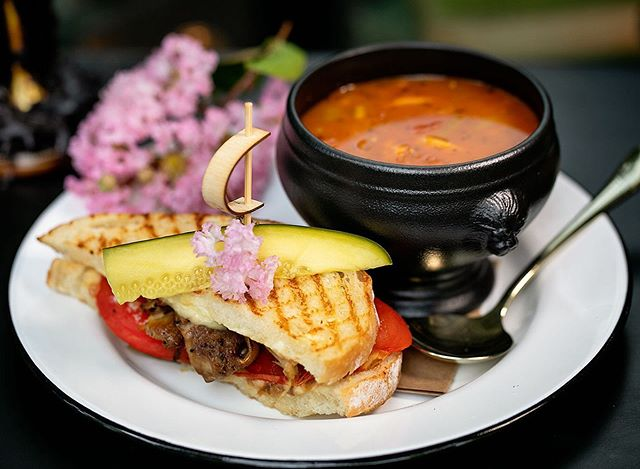 For his lunch combo, Al added slow roasted tomatoes & duck confit to his grilled cheese sandwich. Amazing! Served with the Soup of the Day: Vegan Vegetable. . . . . . . . .  #happyhourpdx  #picnicpdx #23rd #NW23rd #pdxbar #happyhour #portlandor #portlandrestaurants #pdxsandwich #portlandhappyhour #pdxrestaurants #pdxeats  #hhsnacks #travelportland #traveloregon #foodielife #portlandbars #craveportland #cocktails #queer #portlandfood #lgbtq #love #pdxbartender #cocktaillife #julesbianchiphotography #vegan
