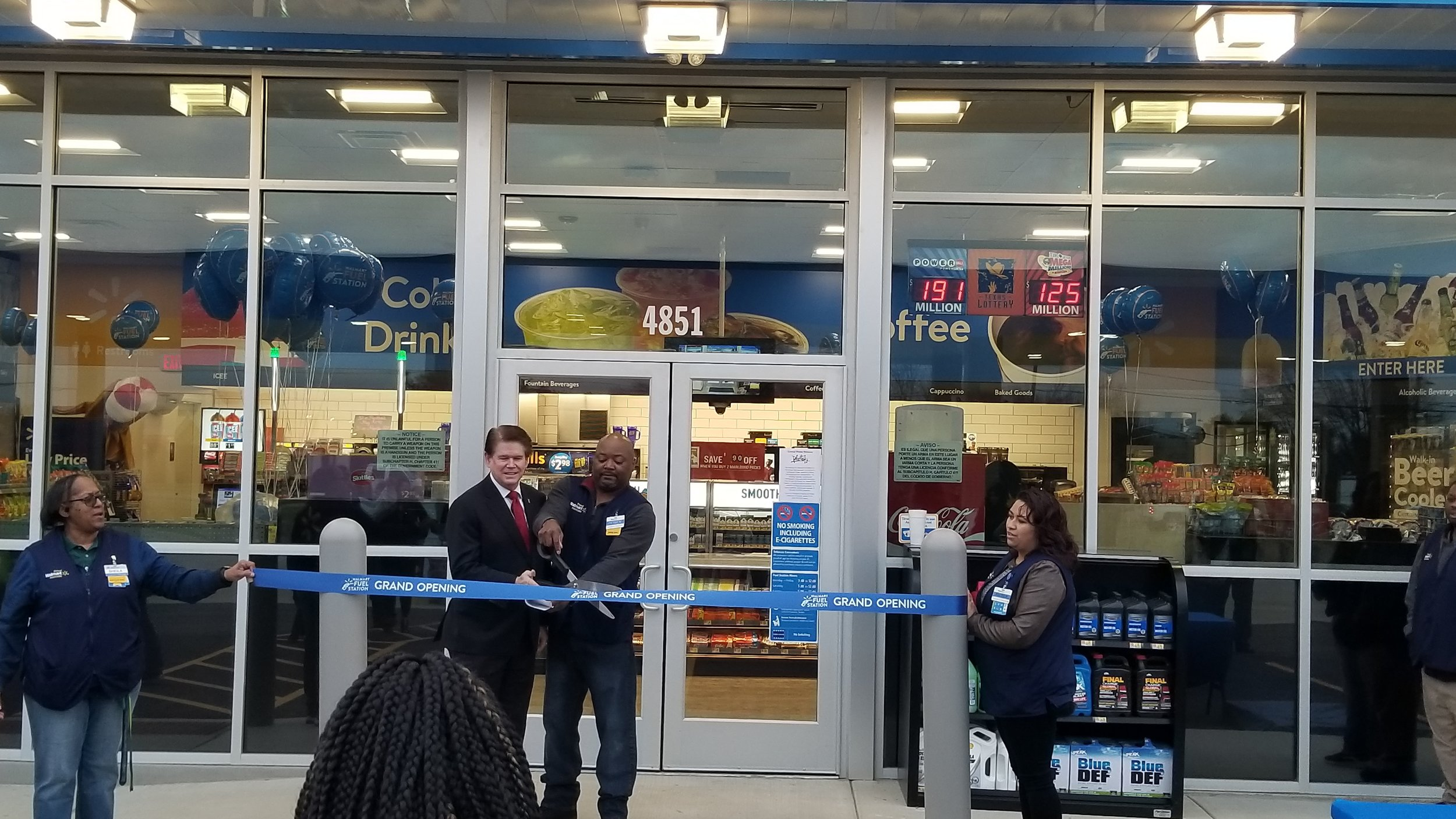 Verdad Project - Walmart TX Arlington - Ribbon Cutting.jpg