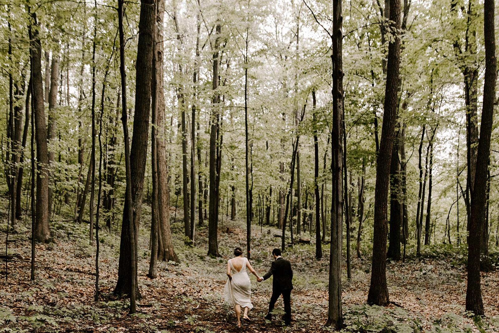 2019-06-01-00-Lindsey+Mat-04_Couples_Portraits-meandhimphoto-0007-T5D18139.jpg