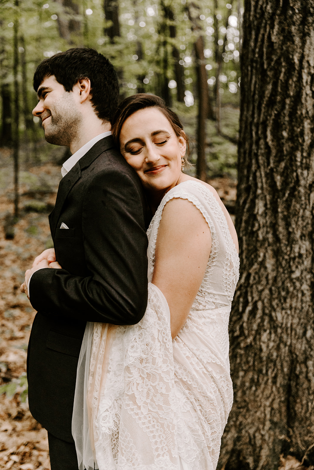 2019-06-01-00-Lindsey+Mat-04_Couples_Portraits-meandhimphoto-0015-T5D18181.jpg