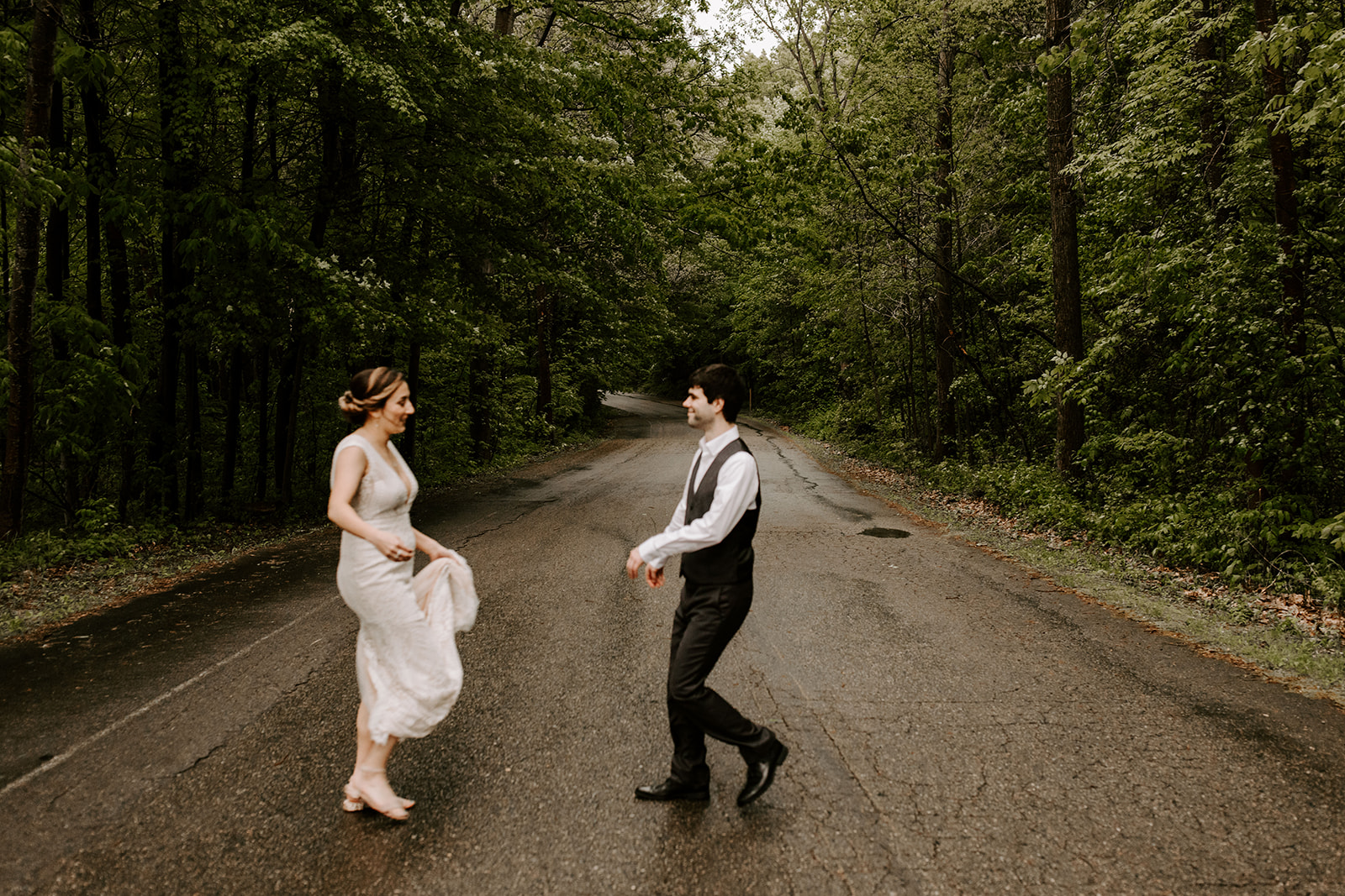 2019-06-01-00-Lindsey+Mat-04_Couples_Portraits-meandhimphoto-0029-T5D18266.jpg