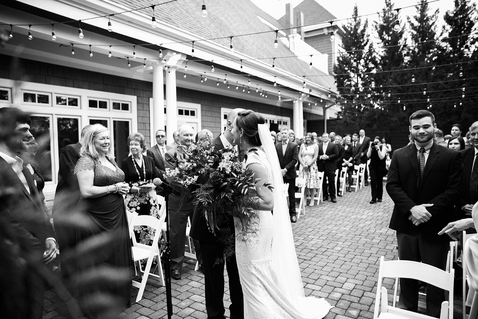 2019-06-01-00-Lindsey+Mat-06_Ceremony-meandhimphoto-0034-T5D18406.jpg