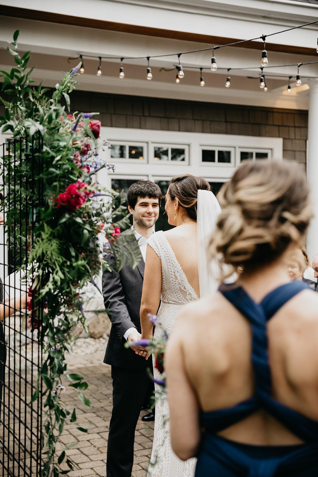2019-06-01-00-Lindsey+Mat-06_Ceremony-meandhimphoto-0039-T5D18413.jpg