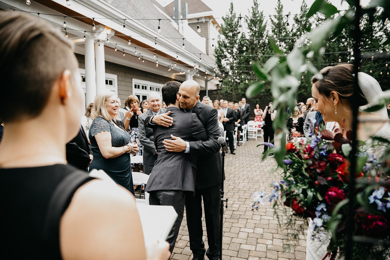 2019-06-01-00-Lindsey+Mat-06_Ceremony-meandhimphoto-0037-T5D18411.jpg