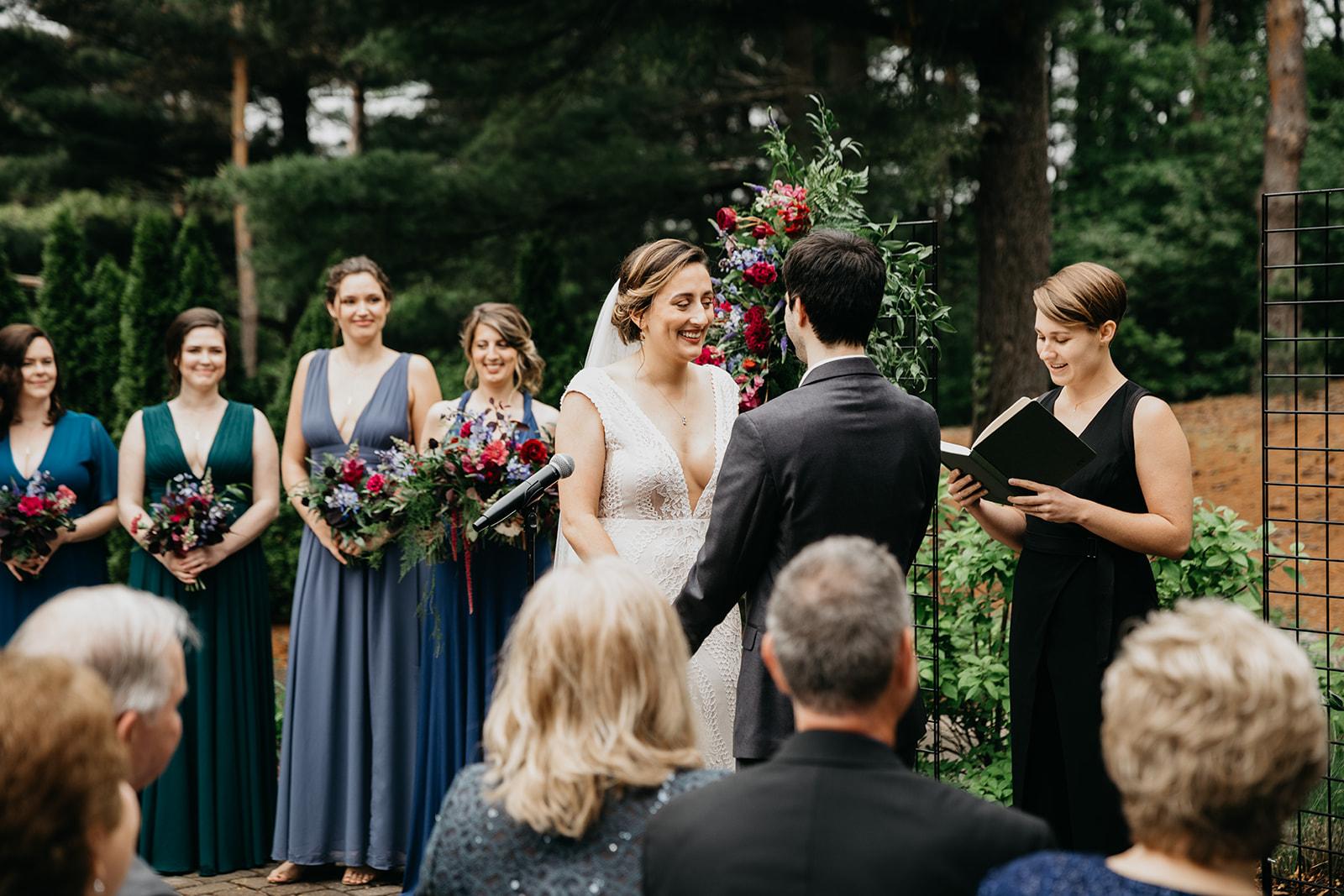 2019-06-01-00-Lindsey+Mat-06_Ceremony-meandhimphoto-0042-T5D18419.jpg