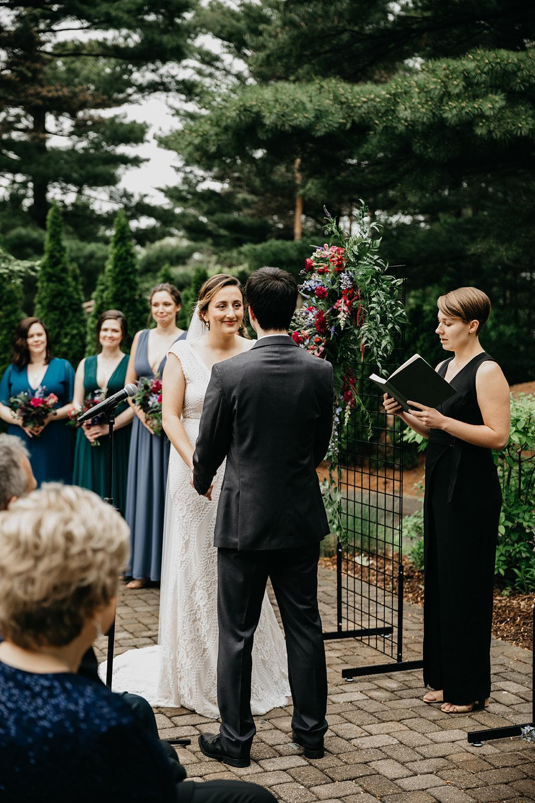 2019-06-01-00-Lindsey+Mat-06_Ceremony-meandhimphoto-0049-T5D18425.jpg
