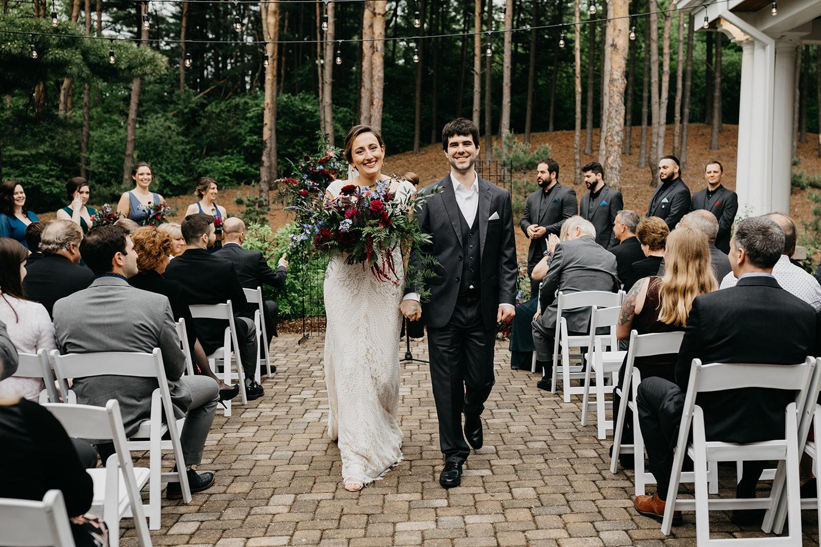 2019-06-01-00-Lindsey+Mat-06_Ceremony-meandhimphoto-0077-K5D44699.jpg