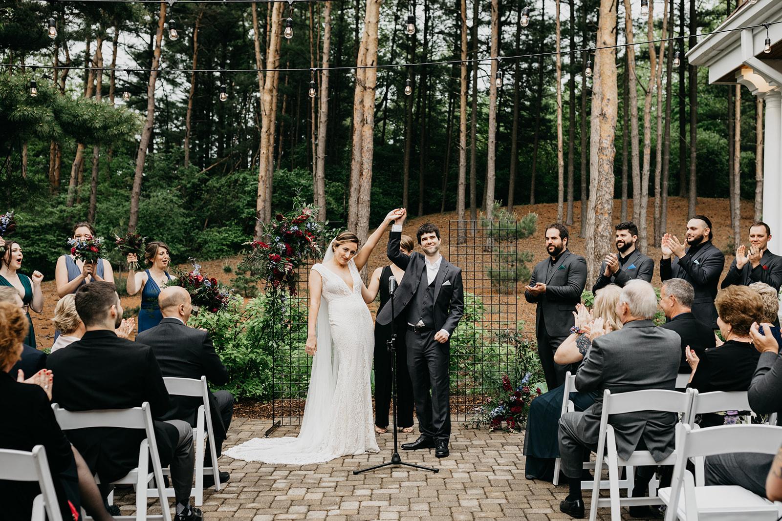 2019-06-01-00-Lindsey+Mat-06_Ceremony-meandhimphoto-0074-K5D44681.jpg