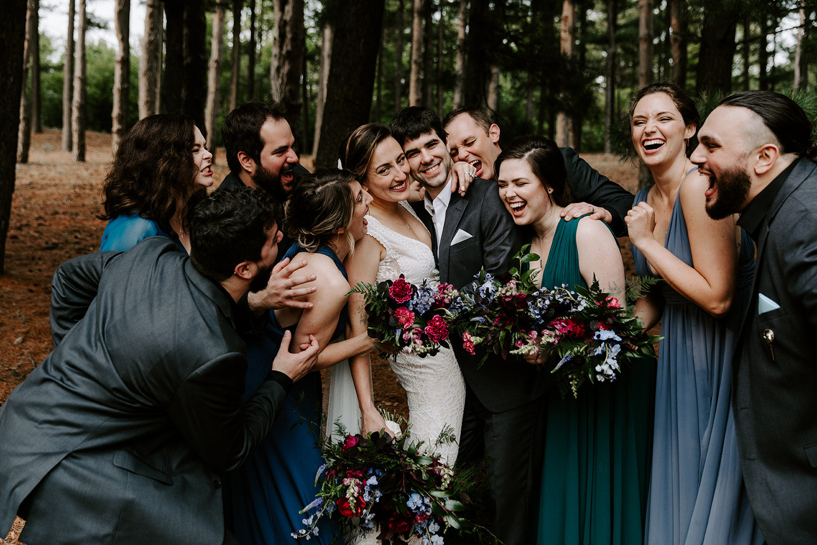 2019-06-01-00-Lindsey+Mat-05_Wedding_Party-meandhimphoto-0070-T5D18675.jpg