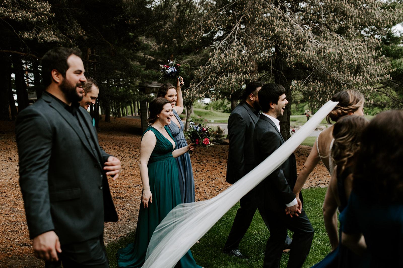 2019-06-01-00-Lindsey+Mat-05_Wedding_Party-meandhimphoto-0090-K5D45011.jpg