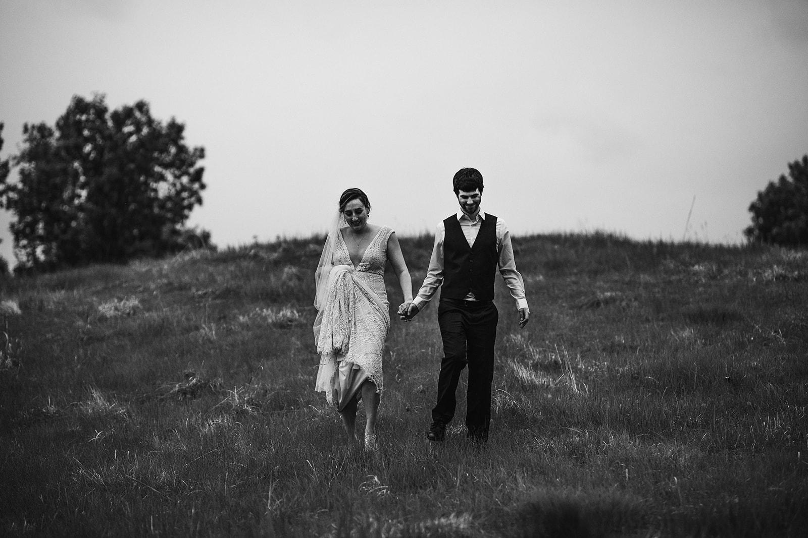 2019-06-01-00-Lindsey+Mat-04_Couples_Portraits-meandhimphoto-0114-K5D45356.jpg