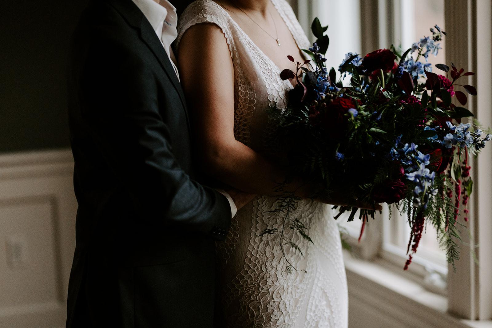 2019-06-01-00-Lindsey+Mat-04_Couples_Portraits-meandhimphoto-0043-K5D33037.jpg