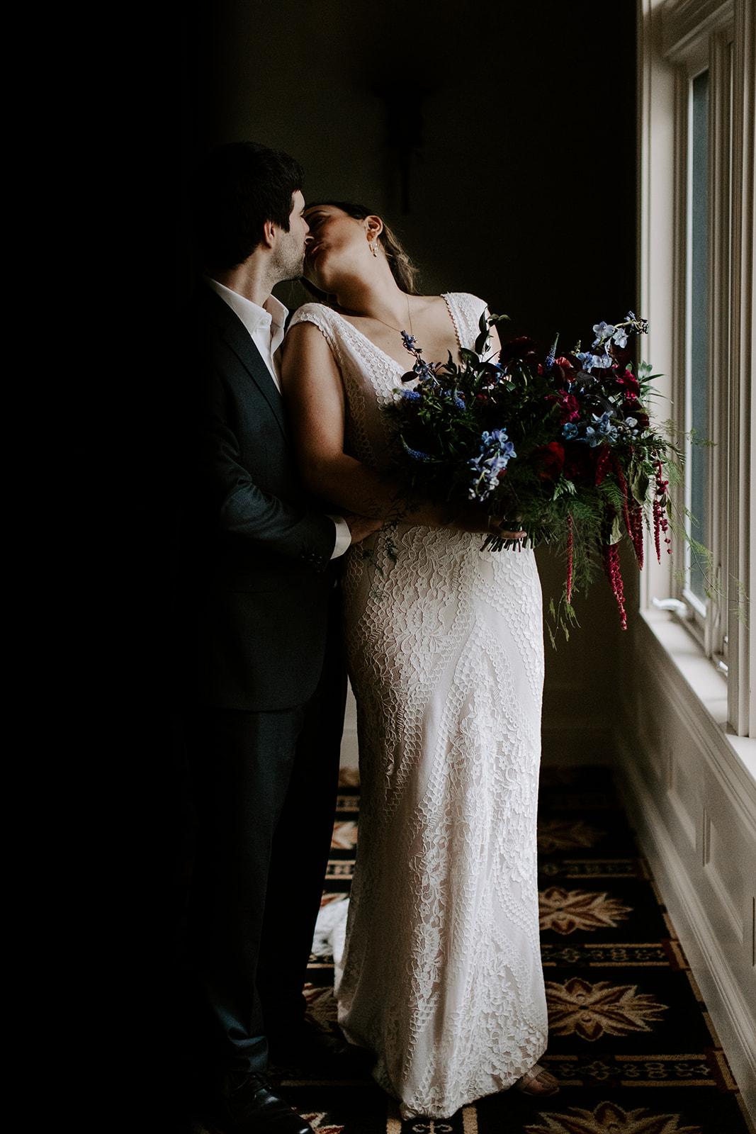 2019-06-01-00-Lindsey+Mat-04_Couples_Portraits-meandhimphoto-0042-T5D26984.jpg