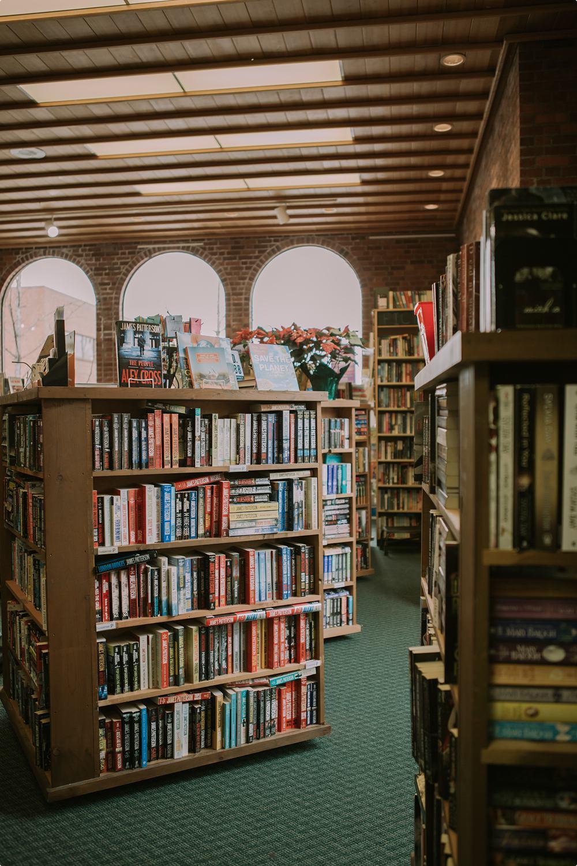 Jans_spotlight_Beaverton Book Store-9607_WEB_.jpg