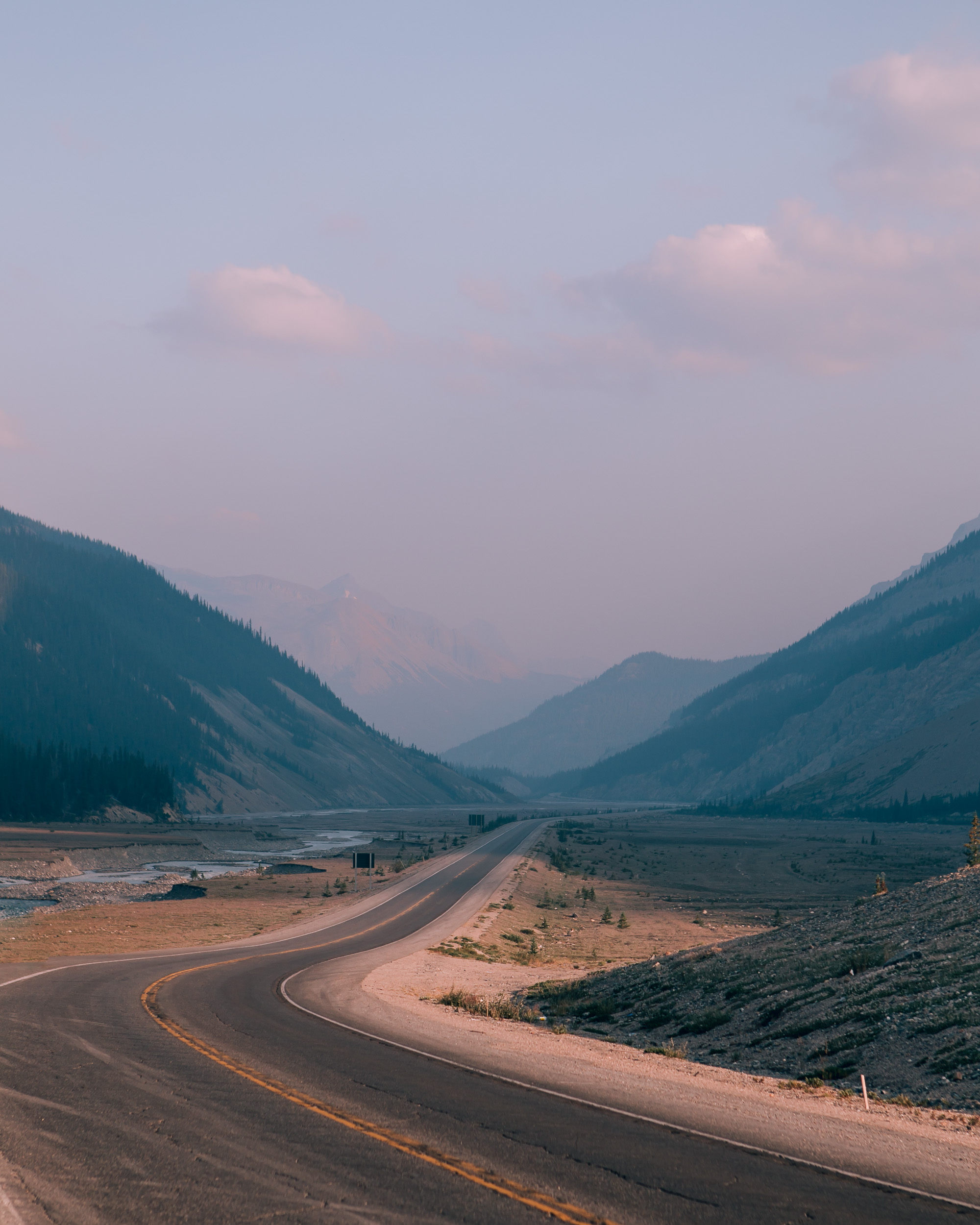 canada-banff-road-mountains.JPG