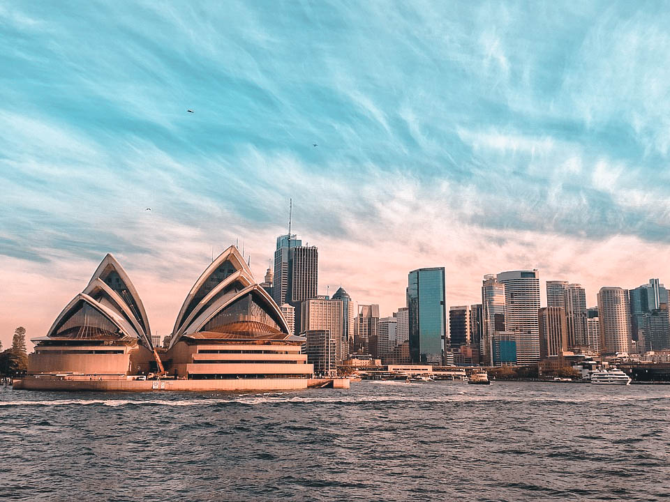 Thanks largely to its popularity with tourists and press from its hosting of the 2000 Olympics, Sydney has commonly been mistaken for Australia's capital.