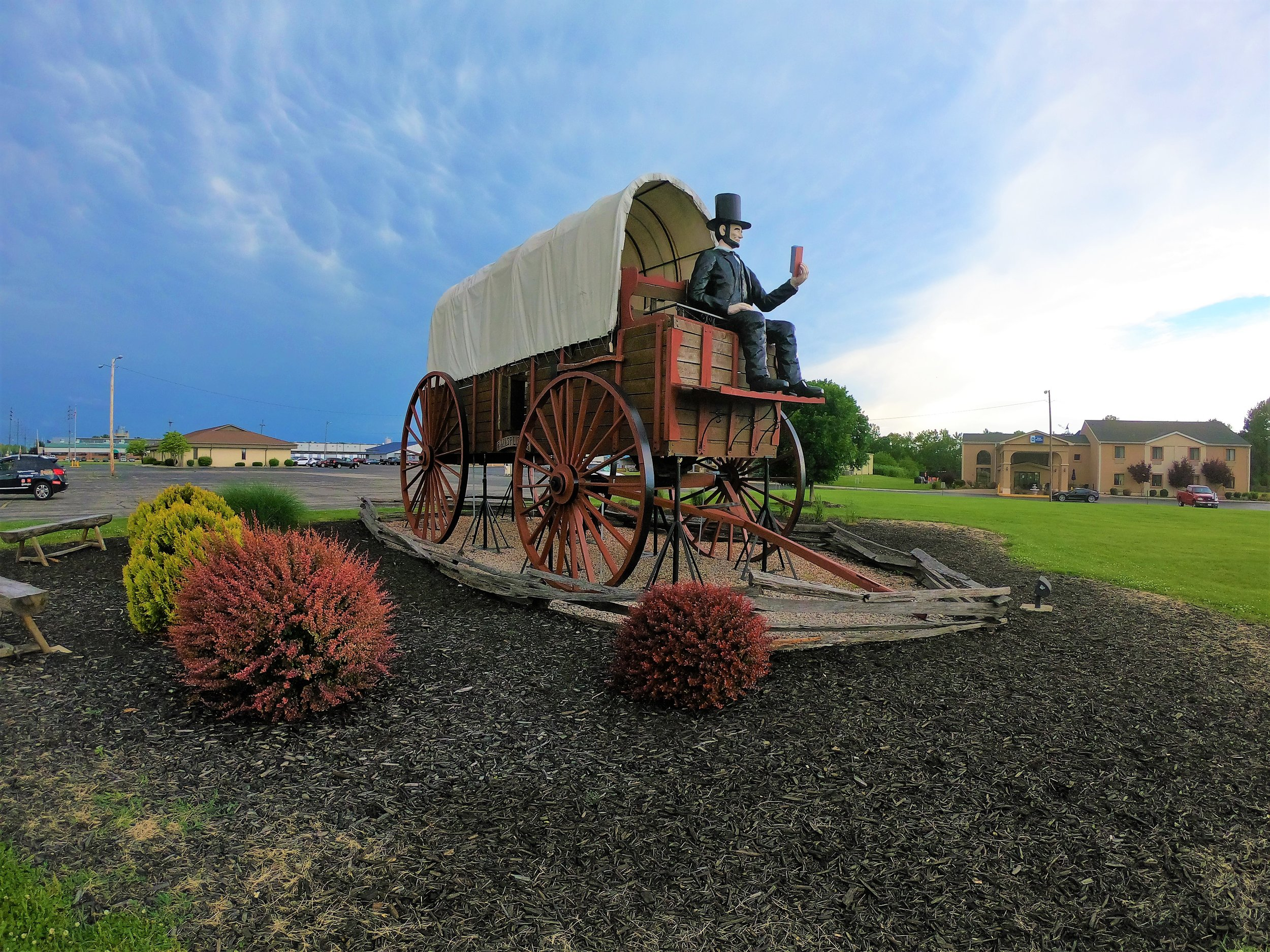 World's Largest Covered Wagon in Lincoln, Illinois