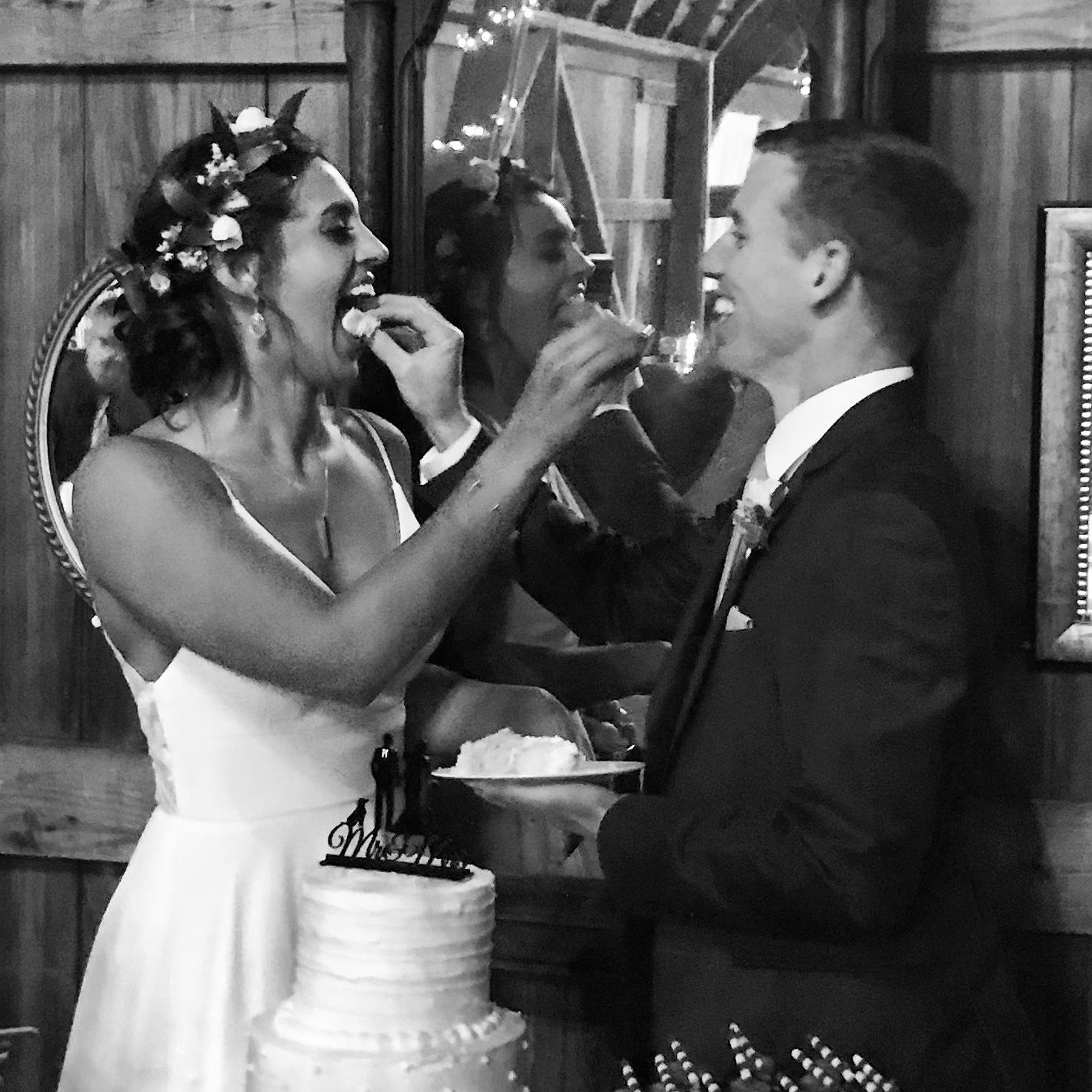 bride-groom-feed-cake.jpg