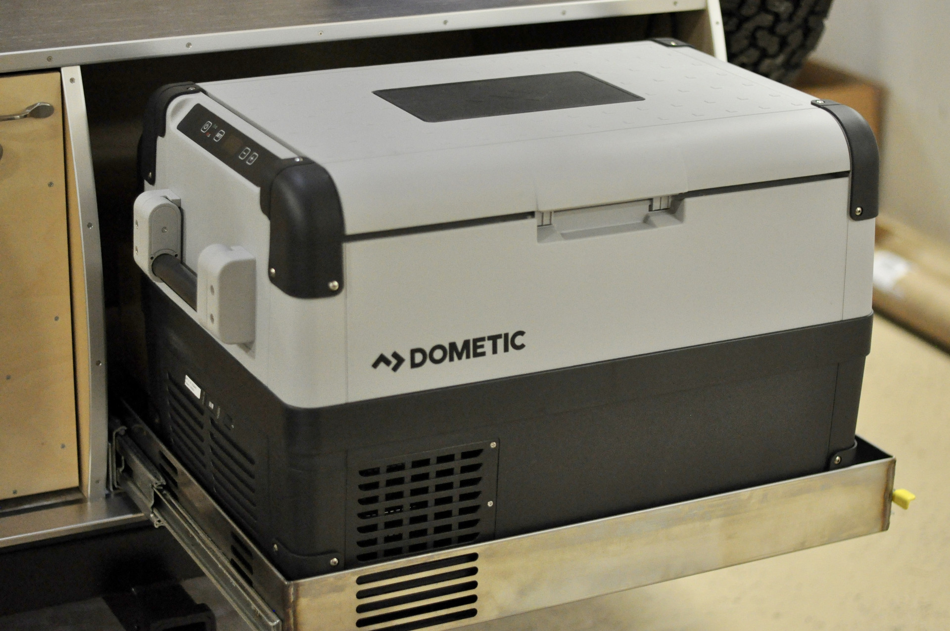 dometic-fridge-freezer.jpg