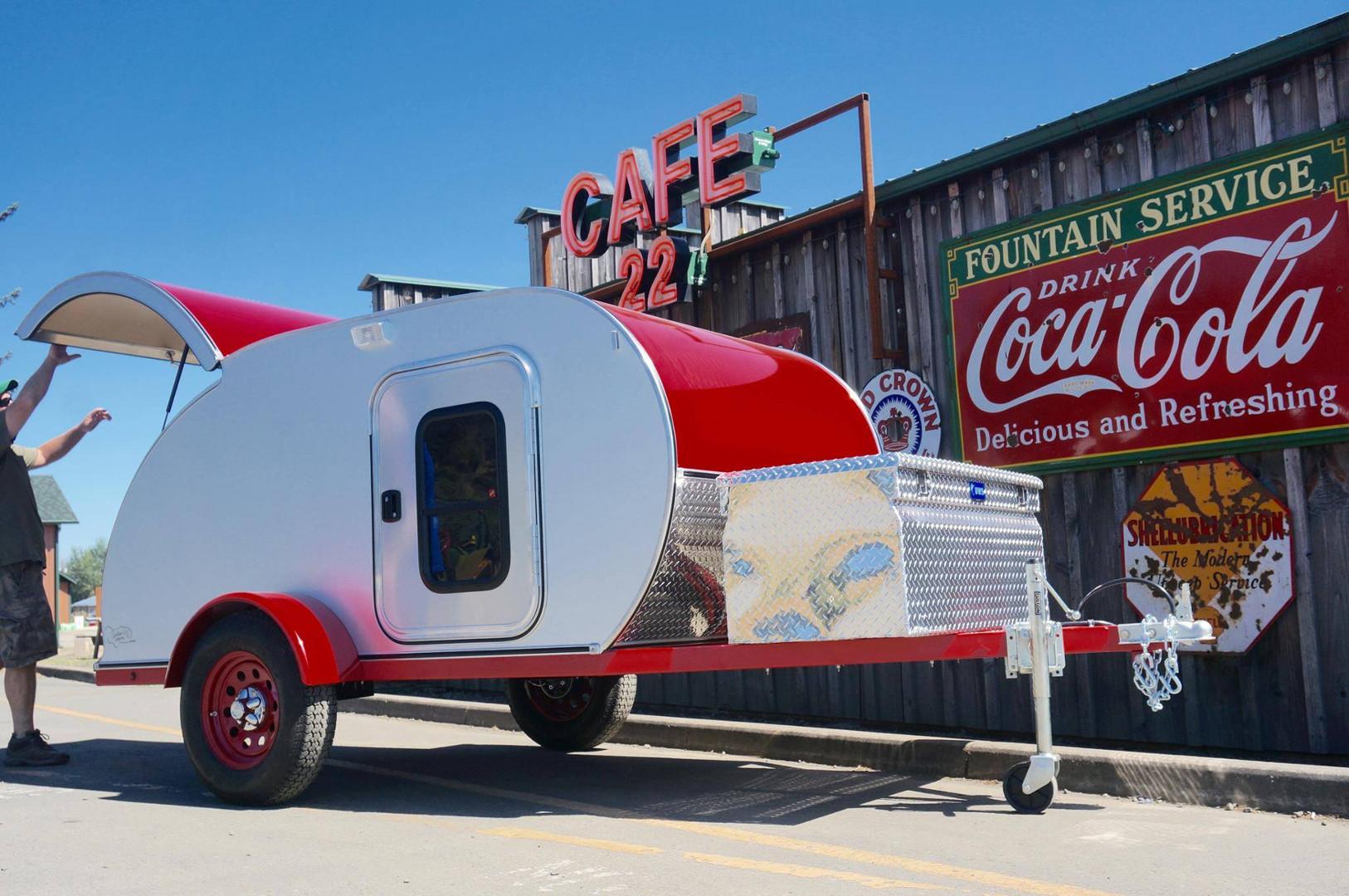 cafe-22-trailer.jpg