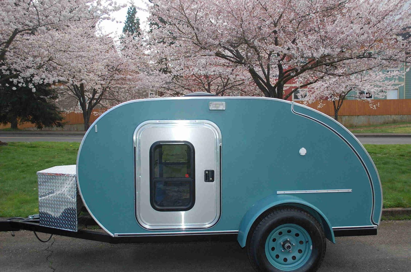 trailer-blue.jpg