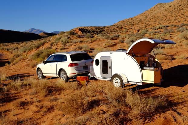 trailer-grassy.jpg