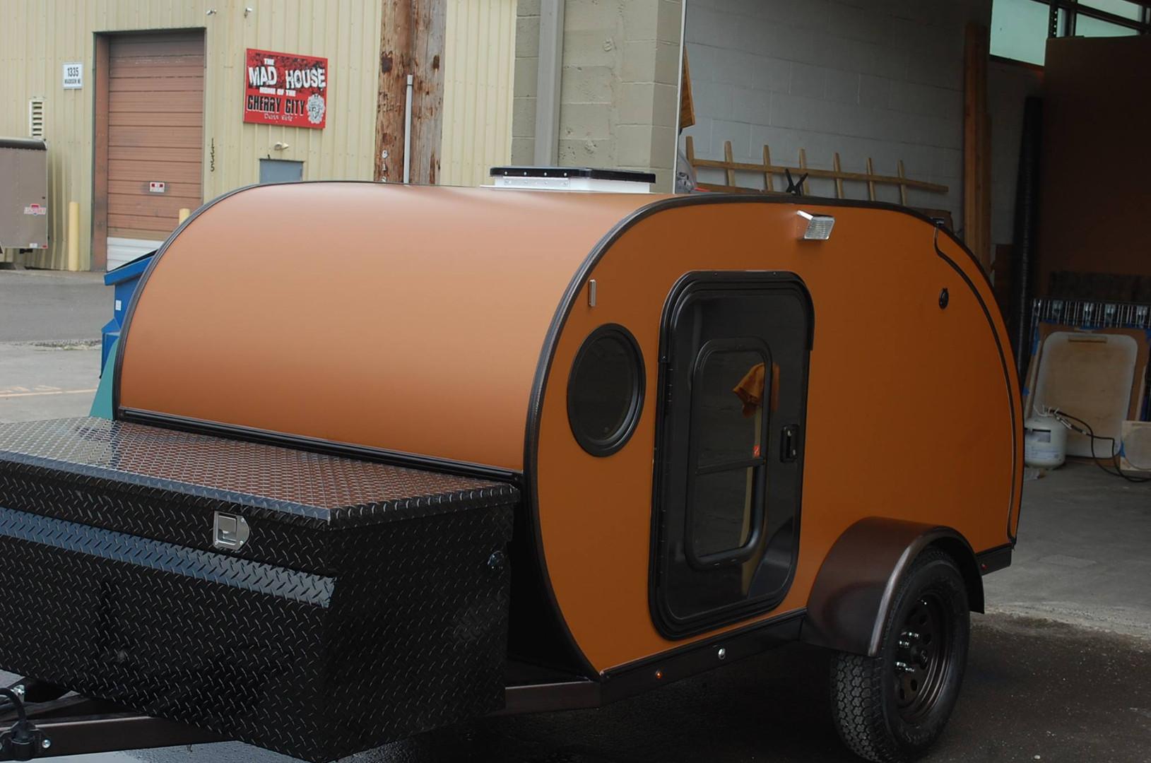 trailer-orange.jpg