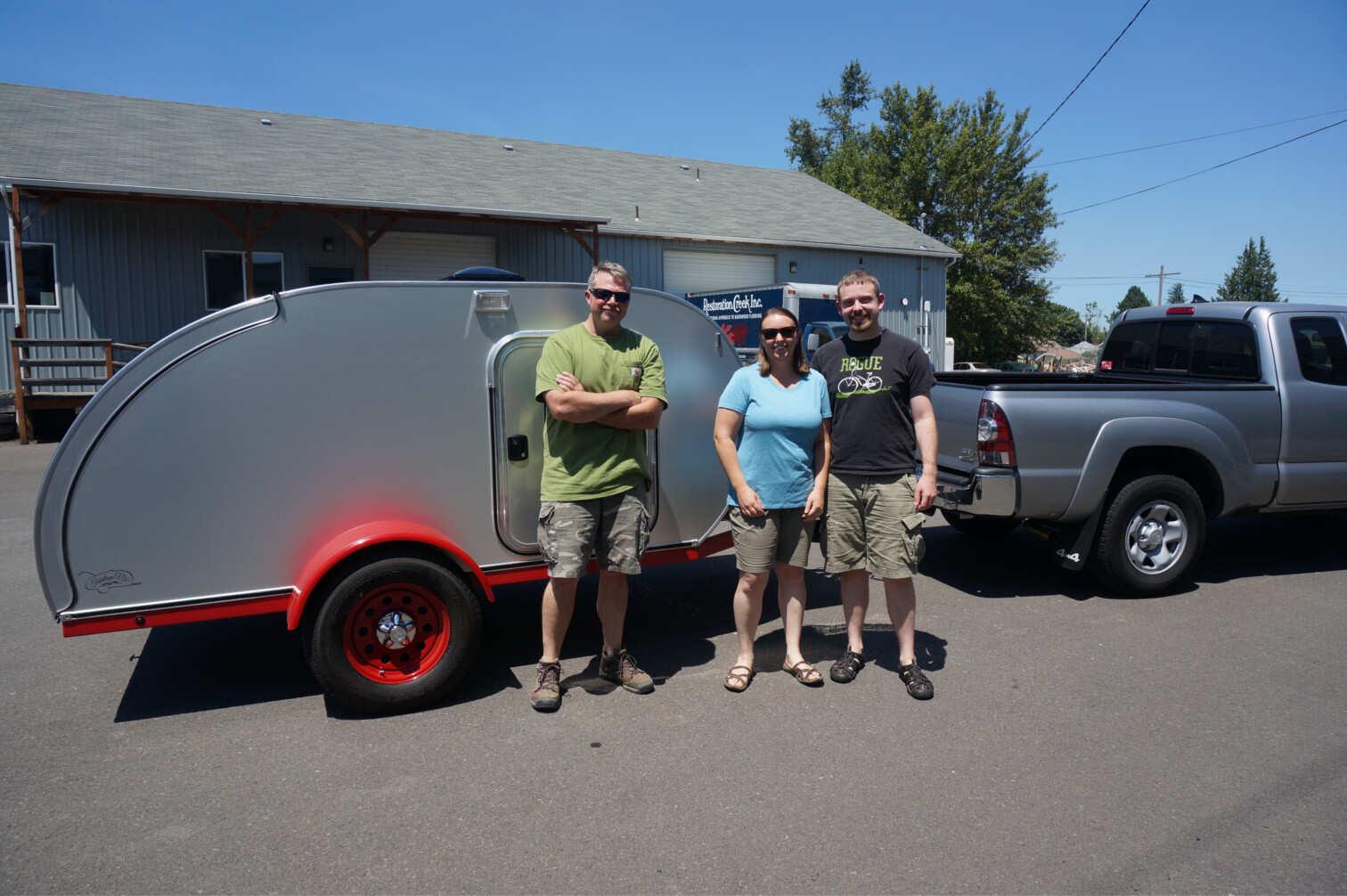 trailer-red-fenders.jpg