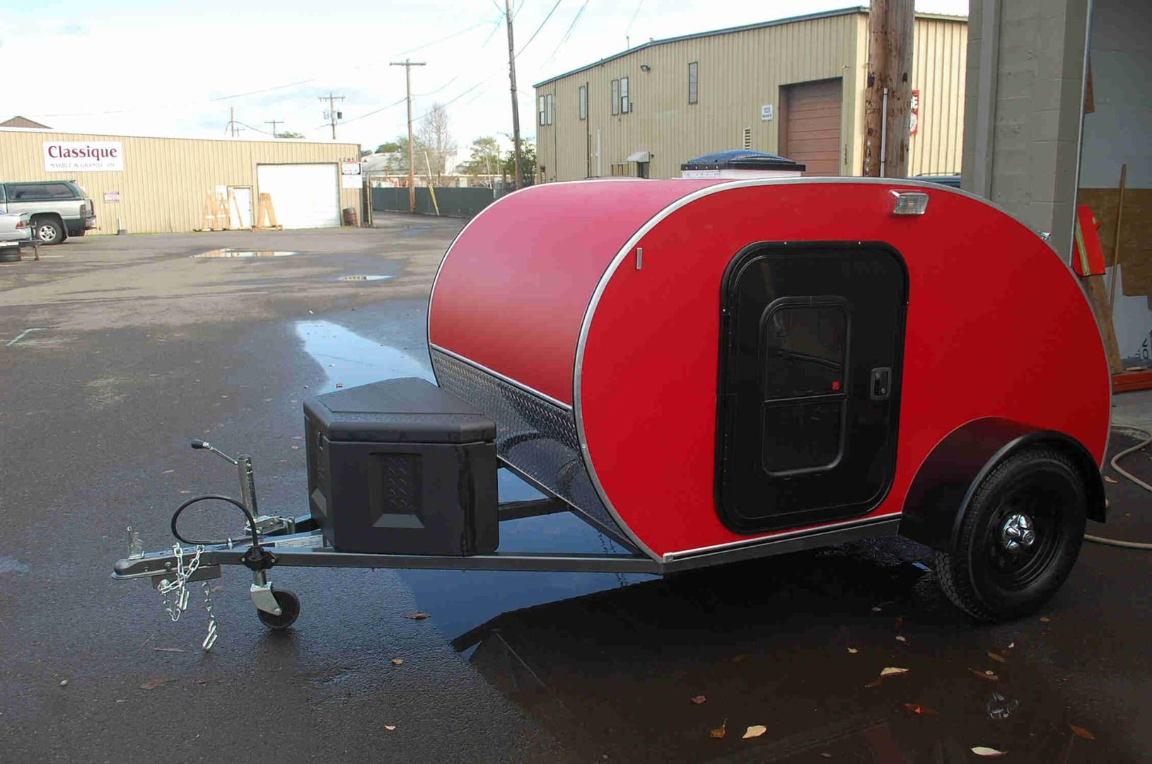 trailer-red.jpg