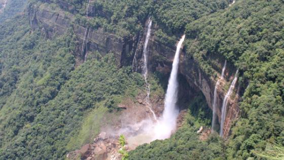 A closer look at the Nohkalikai Falls