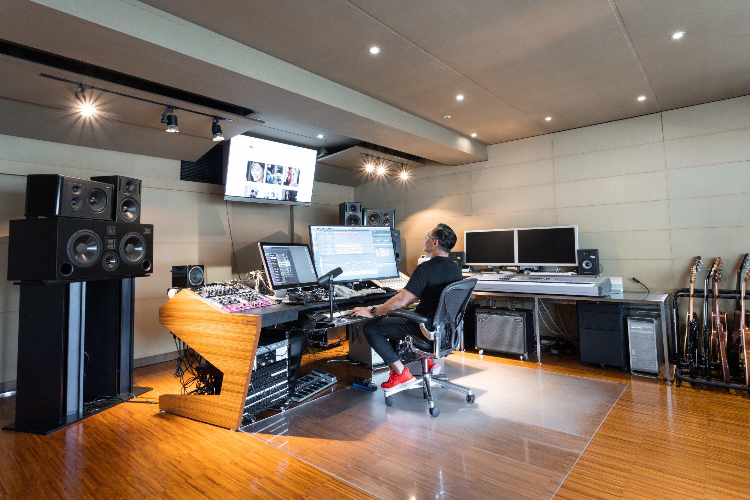StudioC13.jpeg