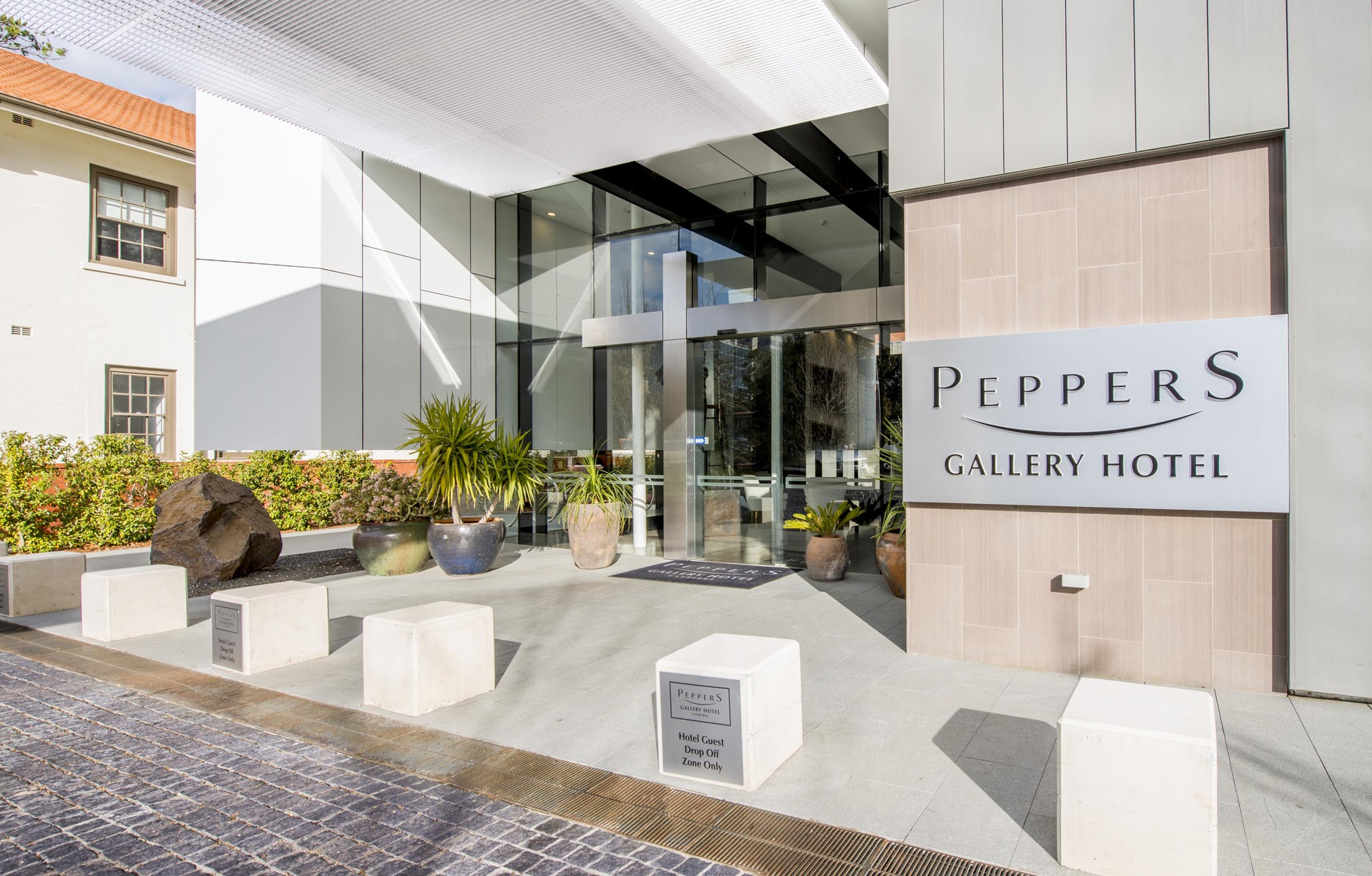 Peppers Gallery Hotel - Exterior.jpg