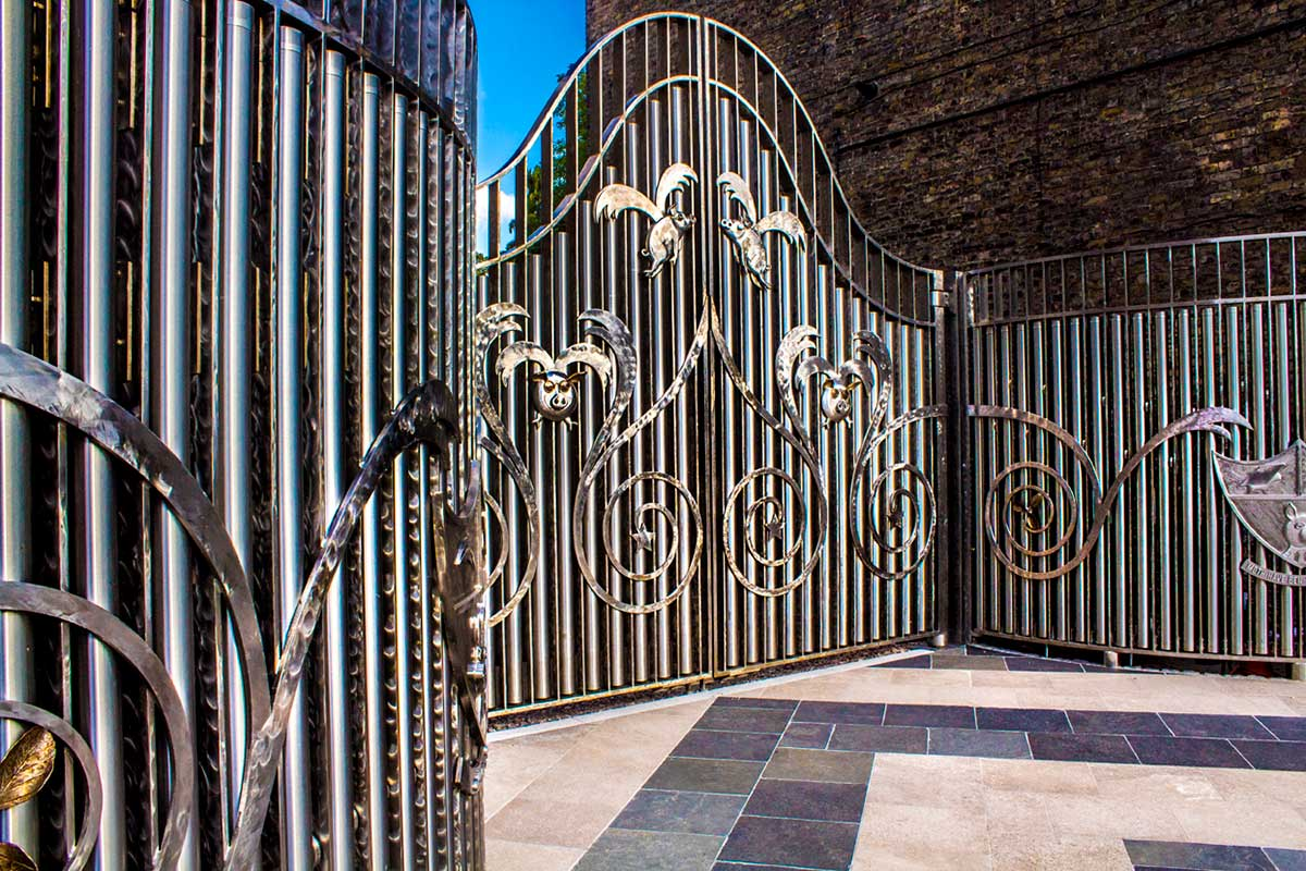 Pig Gates Bcma