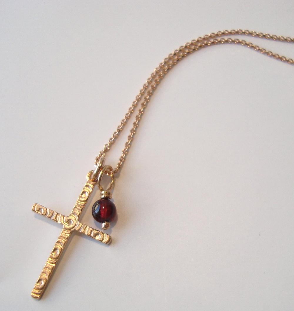 Kette Kreuz Rosègold mit Granat