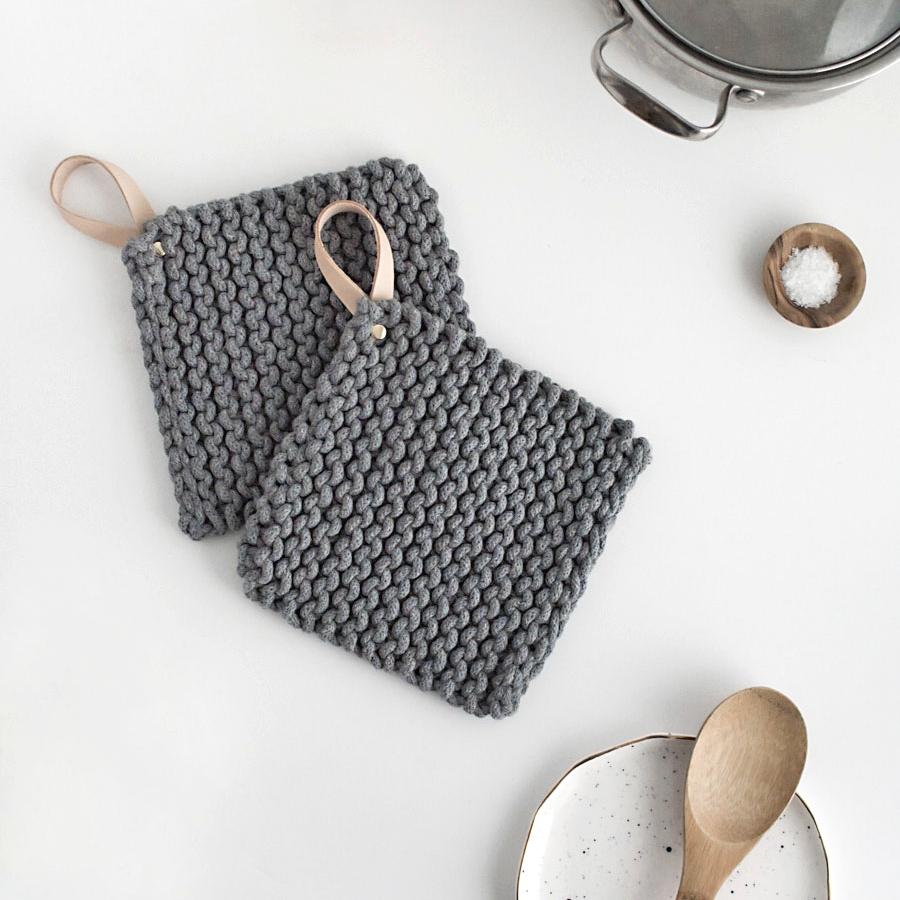 DIY knit potholders by Homey Oh My