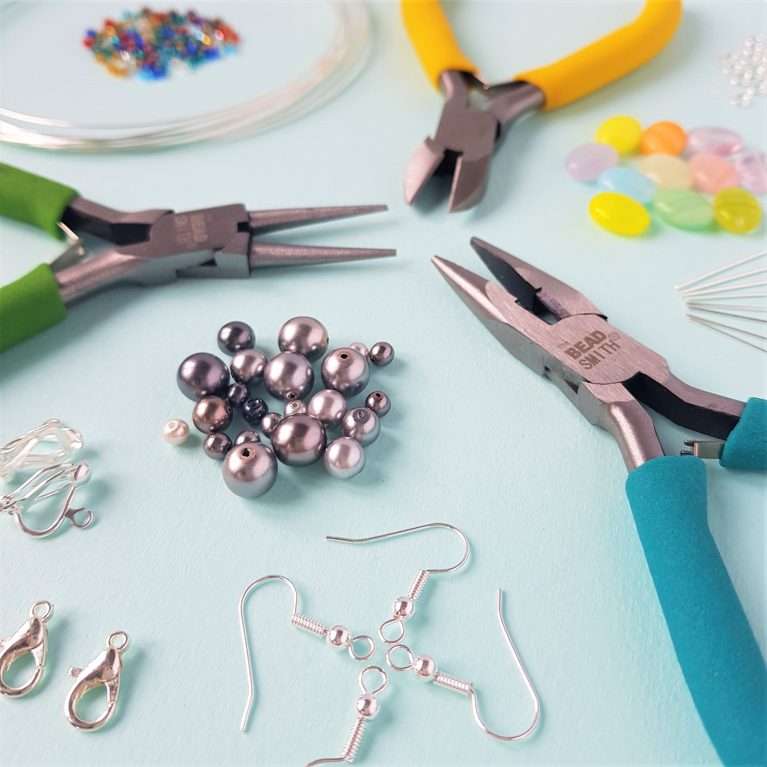 wire-jewellery-making-kit-contents.jpg