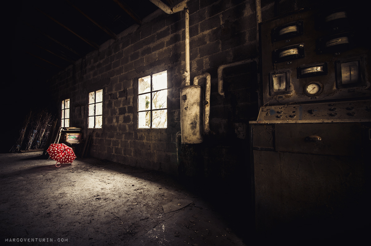 small-red-umbrella-6.jpg