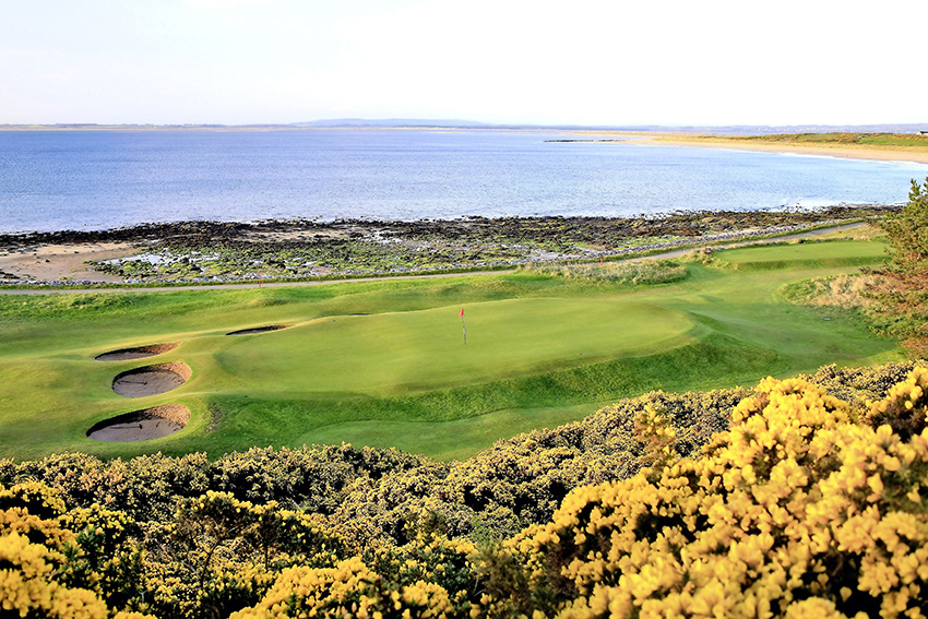 The green of the slender, well-protected 10th sits close to the bay and is one of many raised surfaces.