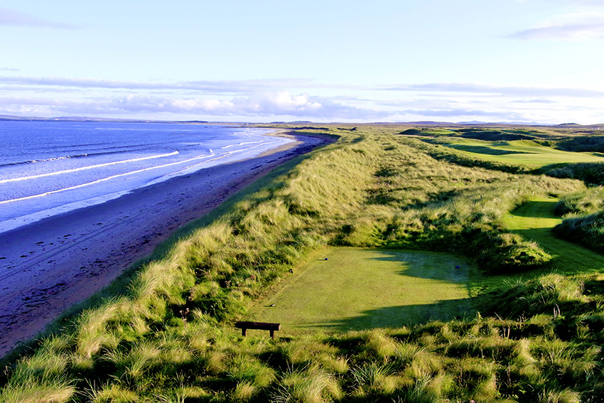 The beachside tee of the 7th is just one of the visual highlights at The Machrie.