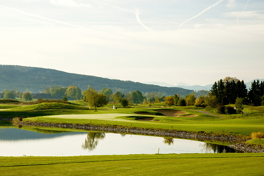 Golf Valley has echoes of Paris' Le Golf National.