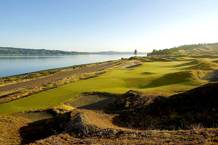 The 16th hole at Chambers Bay plays alongside the railway line. It proved to be a pivotal hole at the 2016 US Open.