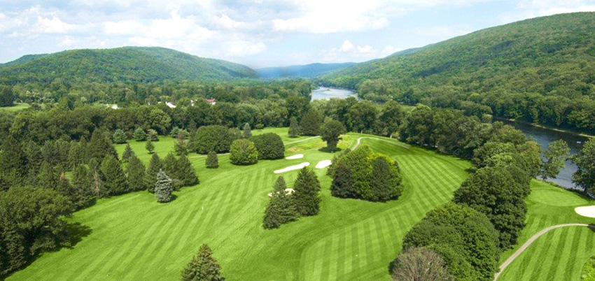 Despite being Tillinghast's first big job, Shawnee Country Club in Pennsylvania (1911, below) instantly showcases many of his design beliefs.