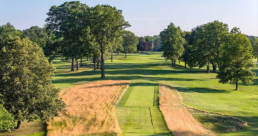 Quaker Ridge in New York (1918) is a great example of how Tillinghast used trees to frame holes, intensify the strategy, add aesthetic value and confound accurate distance gauging.