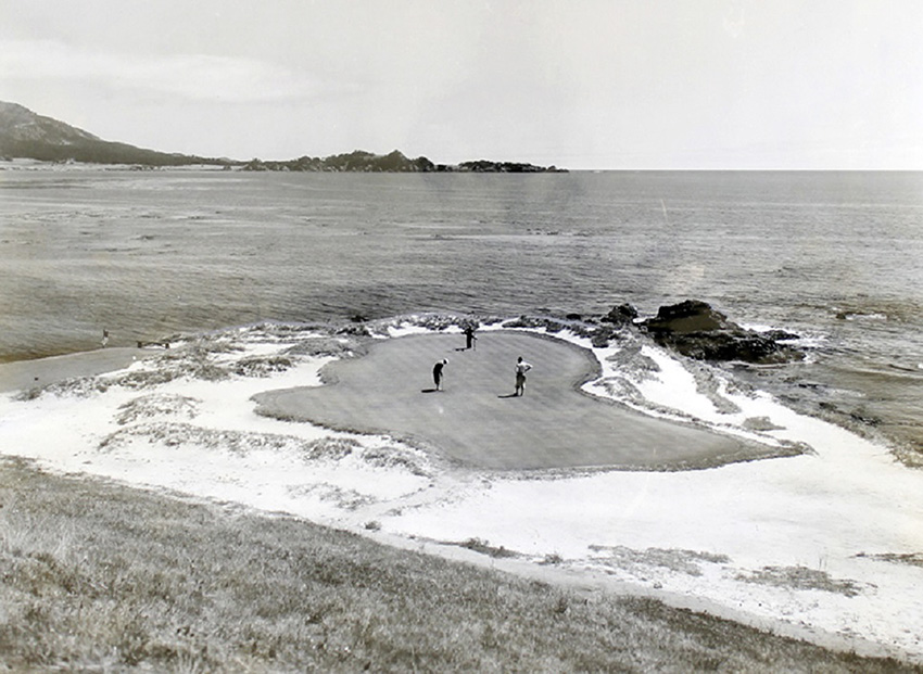 Evolving an icon: an early version of Pebble's legendary 7th hole.