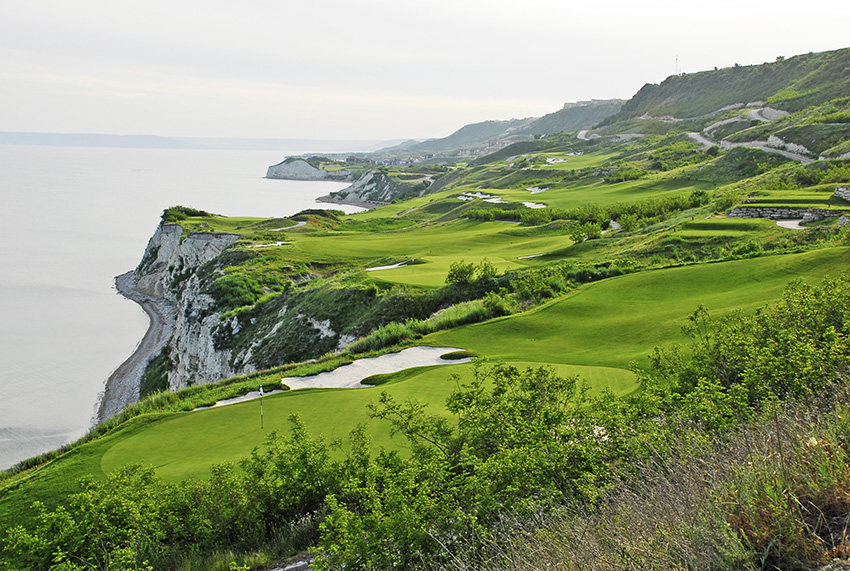 The Gary Player-designed Thracian Cliffs winds its way up a cliff face and so offers unobstructed views of the Black sea on every hole!