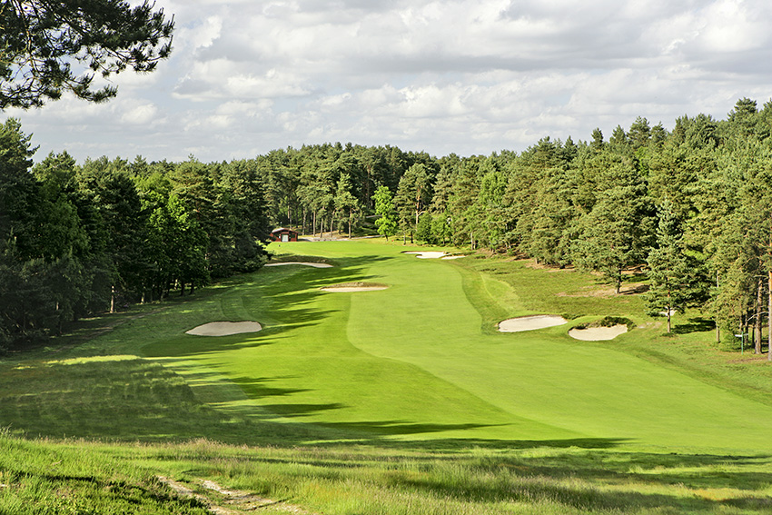 1_Top_100_Golf_Courses_England_Sunningdale_Old.jpeg