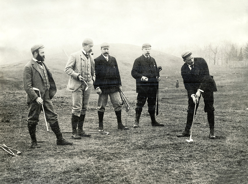 CB Macdonald (centre) plays in the first unofficial US Amateur at Yonkers in 1894. After finishing in second place, he declared the event null and void.
