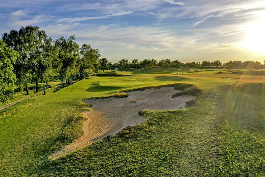 The bunkering is as much about making a visual statement as it is presenting
